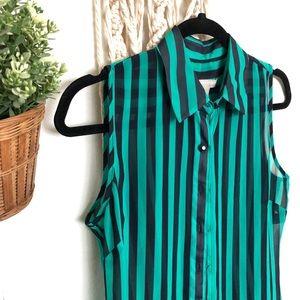 Banana Republic size 2 sleeveless sheer blouse